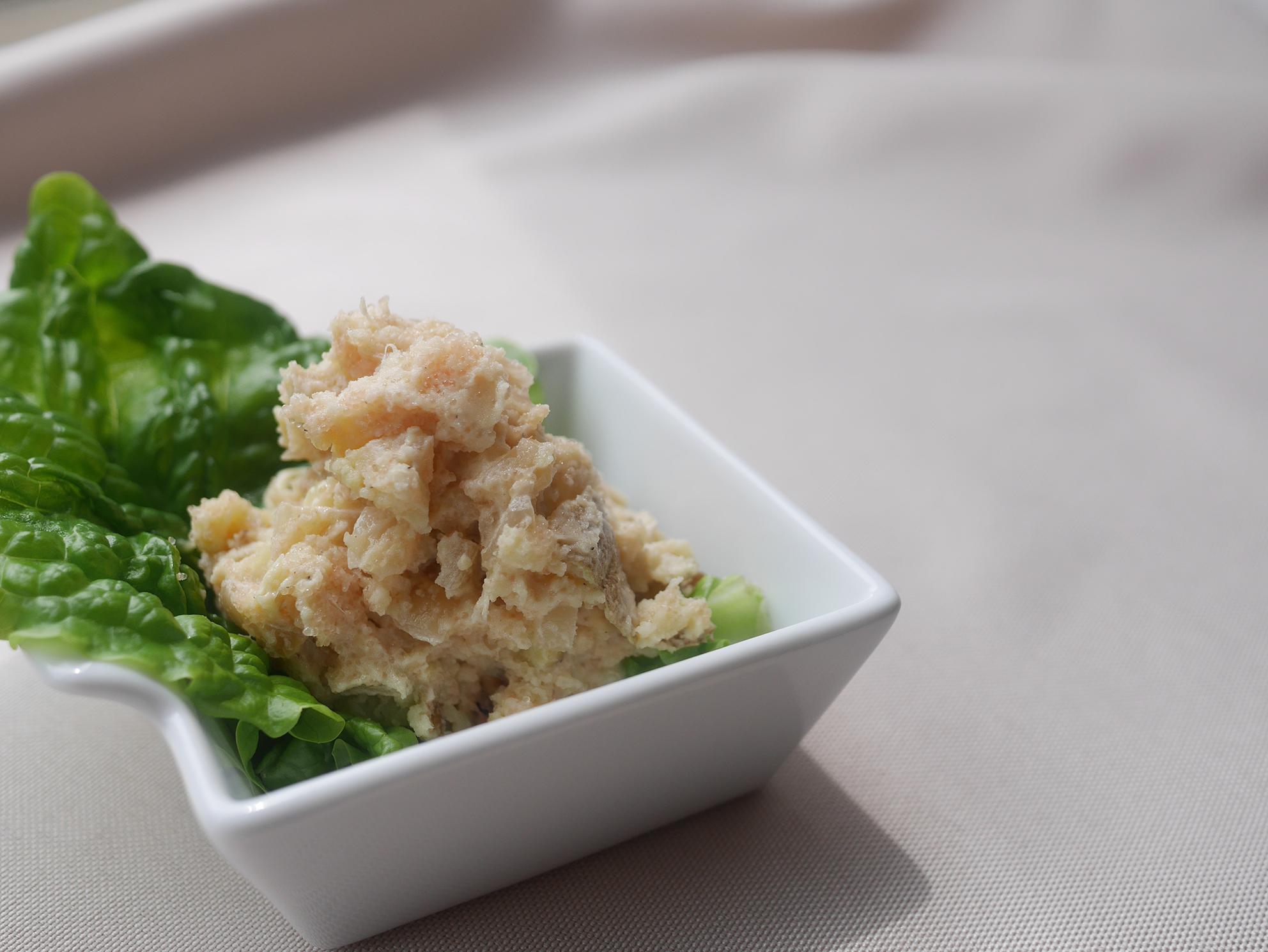 炒めタマネギのタラモサラダ